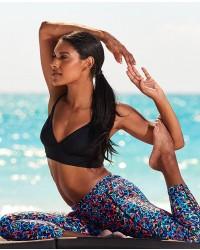 Shop The Look - Solid Brooke Bralette & Carnivale ¾ Kalani Tight